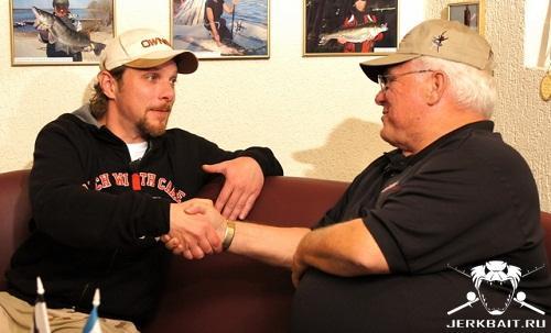 loomis shake hand